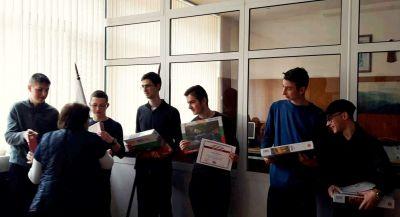 Първенци в областта на национален конкурс за STEM науки в България. 4