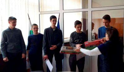 Първенци в областта на национален конкурс за STEM науки в България. 5