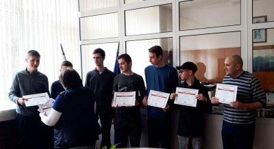 Първенци в областта на национален конкурс за STEM науки в България. 6